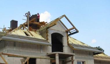 Zateplenie strechy a podkrovia penou